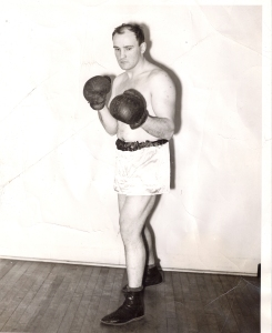 Johnny Tonila, amateur boxer