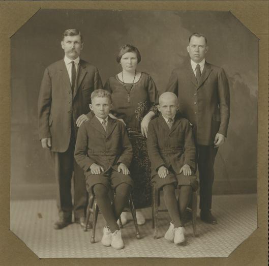 Makarauskas.family.1922