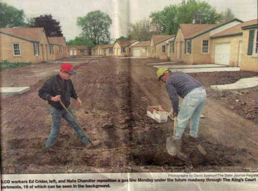 State Journal-Register photo of Kings Court rehab project, 1998
