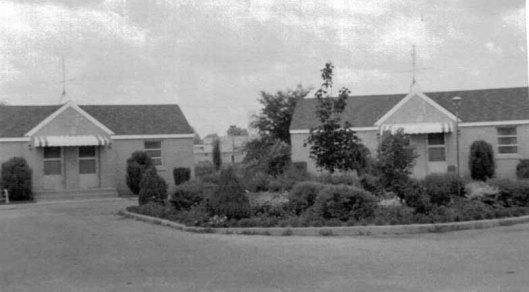 Part of Magnolia Court motel complex, 1957