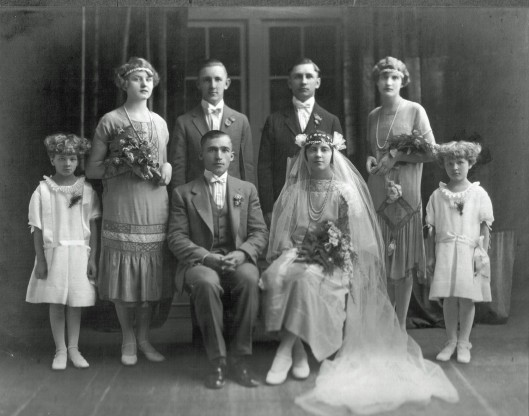 I believe this is the wedding of Anna Klimaitis and Peter Bernotas, 1916.