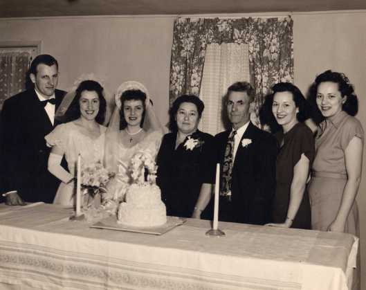 Delores Kavirt and Edward Lomprez wedding, with Kavirt siblings, 1940s.
