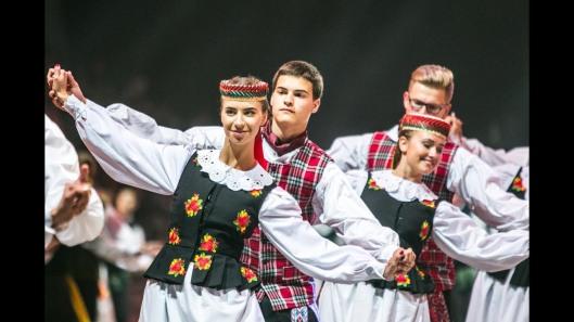 Suvartukas.dancers.Lithuania